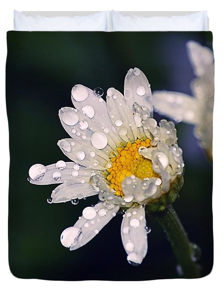Daisies In The Rain Duvet Cover