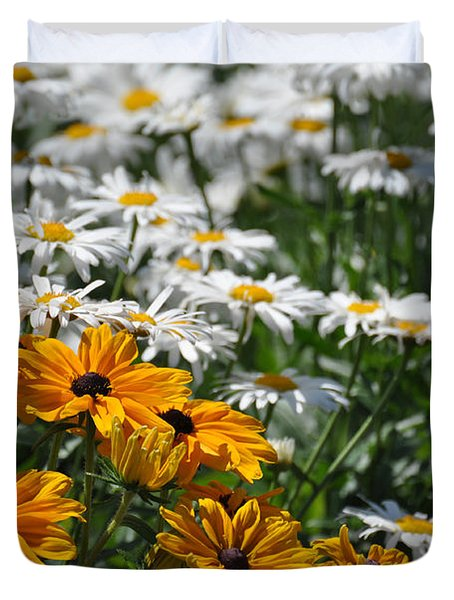 Duvet Cover featuring the photograph Daisy Fields by Bianca Nadeau