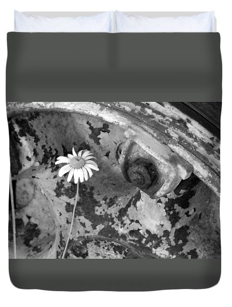 Duvet Cover featuring the photograph Daisy by John Schneider