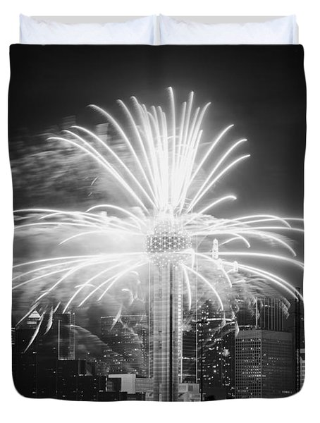 Dallas Reunion Tower Fireworks Bw 2014 Duvet Cover