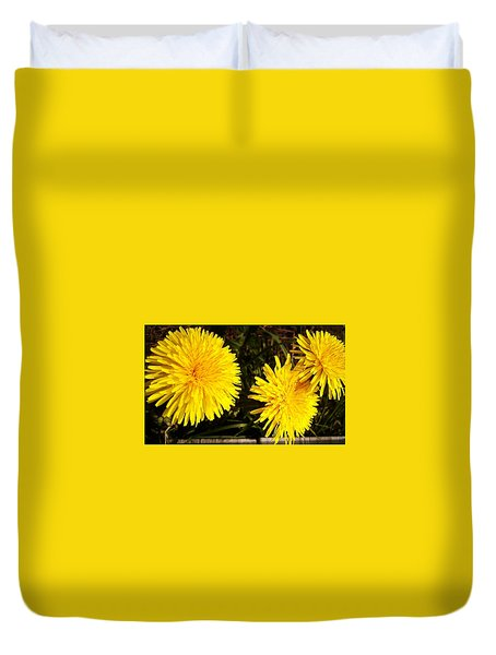 Dandelion Weeds? Duvet Cover by Martin Howard