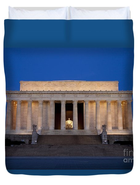 Duvet Cover featuring the photograph Dawn At Lincoln Memorial by Brian Jannsen