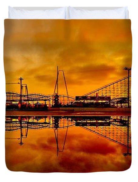 Dawn At Wildwood Pier Duvet Cover by Nick Zelinsky