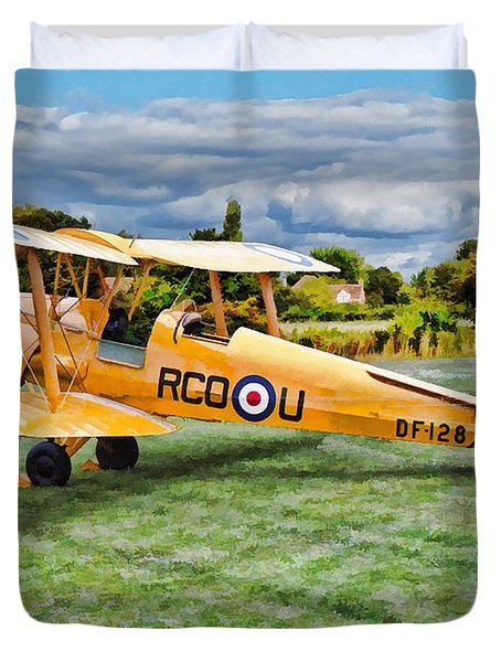 Duvet Cover featuring the digital art De Havilland Dh82 Tiger Moth by Paul Gulliver