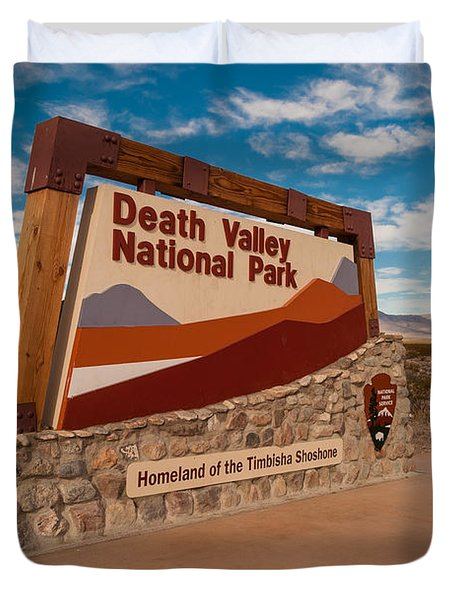 Death Valley Entry Duvet Cover