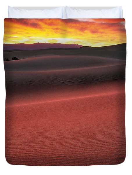 Death Valley Sunrise Duvet Cover