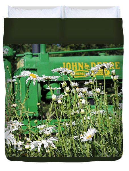 Duvet Cover featuring the photograph Deere 1 by Lynn Sprowl