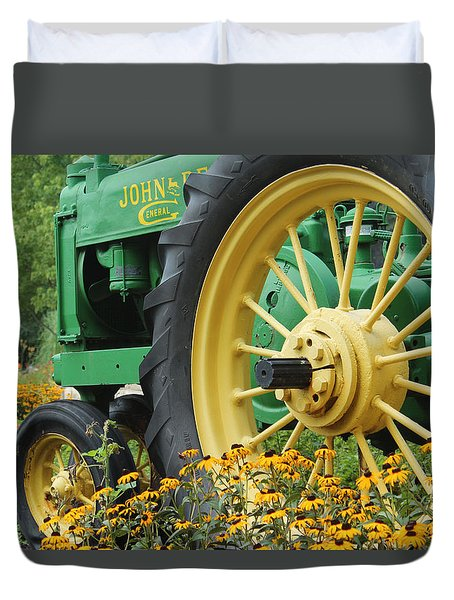 Duvet Cover featuring the photograph Deere 2 by Lynn Sprowl