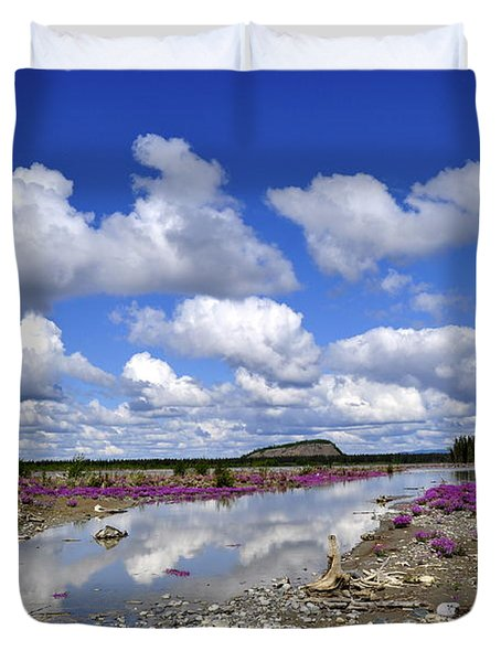 Duvet Cover featuring the photograph Delta Junction Summer by Cathy Mahnke