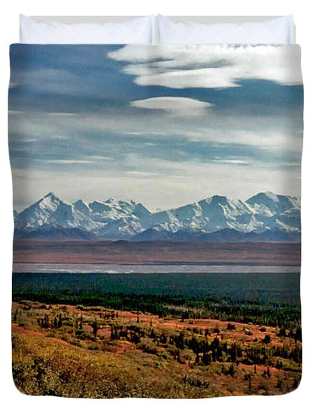 Duvet Cover featuring the photograph Denali Colors by Jeremy Rhoades