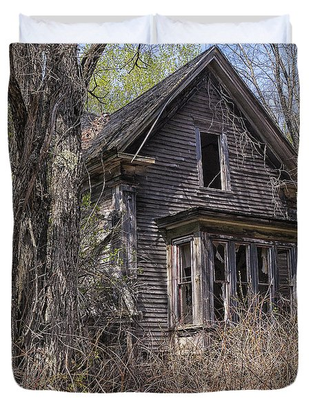 Duvet Cover featuring the photograph Derelict House by Marty Saccone