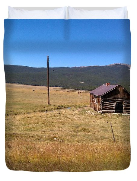 Duvet Cover featuring the photograph Deserted Cabin by Fortunate Findings Shirley Dickerson
