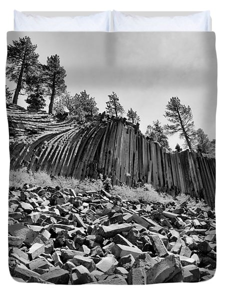 Devils Postpile National Monument Duvet Cover