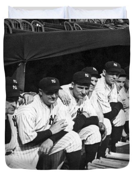 Dimaggio In Yankee Dugout Duvet Cover by Underwood Archives