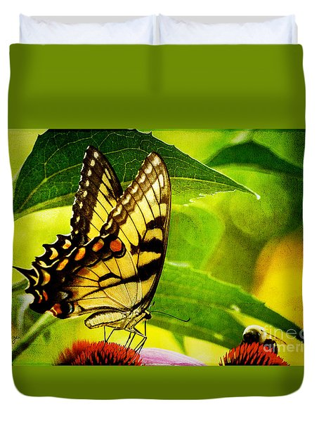 Dining With A Friend Duvet Cover by Lois Bryan