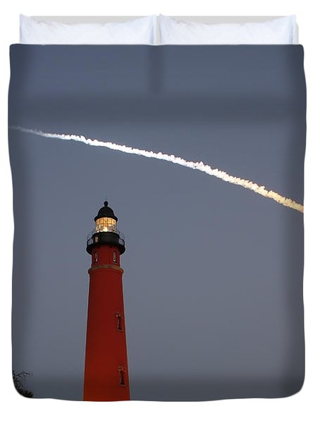 Discovery Booster Separation Over Ponce Inlet Lighthouse Duvet Cover