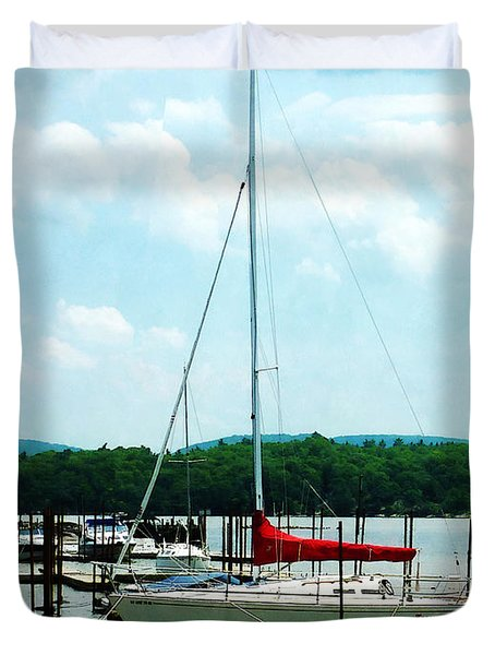 Docked On The Hudson River Duvet Cover by Susan Savad