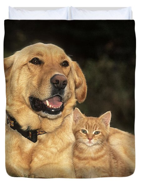 Dog With Kitten Duvet Cover by Rolf Kopfle