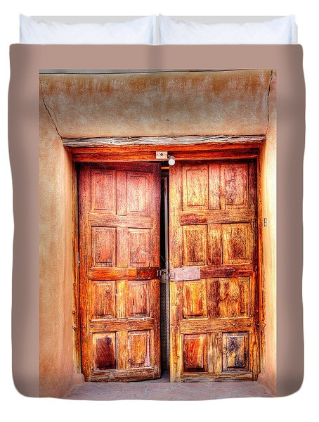 Doors To The Inner Santuario De Chimayo Duvet Cover