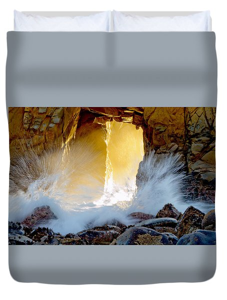Doorway To The Pacific Ocean Duvet Cover