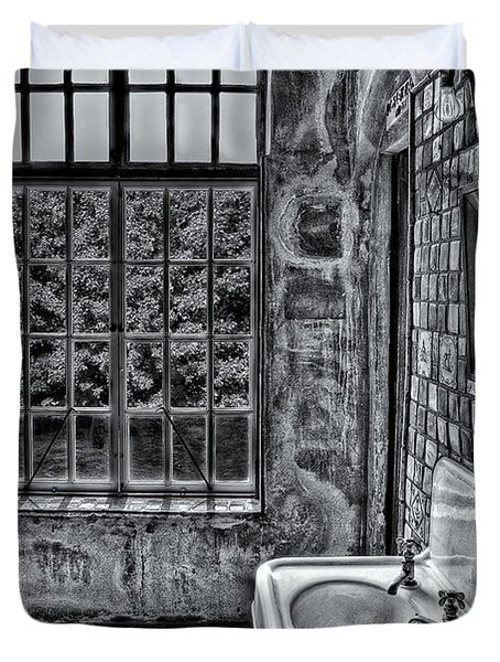 Dormer Bathroom Side View Bw Duvet Cover by Susan Candelario