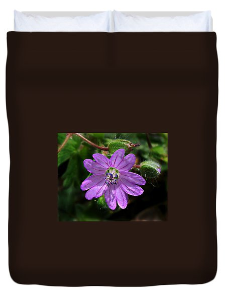 Wild Dovesfoot Cranesbill Duvet Cover by William Tanneberger