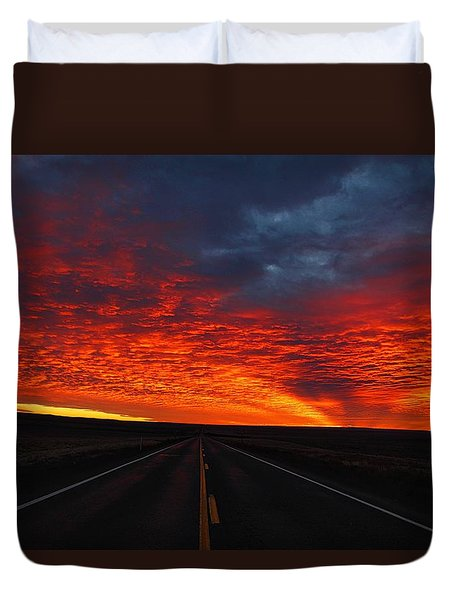 Duvet Cover featuring the photograph Dramatic Sunrise by Lynn Hopwood