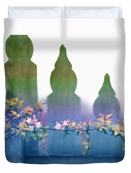 Duvet Cover featuring the photograph Dreams Of A Picket Fence by Holly Kempe