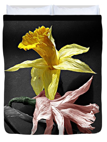 Duvet Cover featuring the photograph Dried Daffodils by Nina Silver