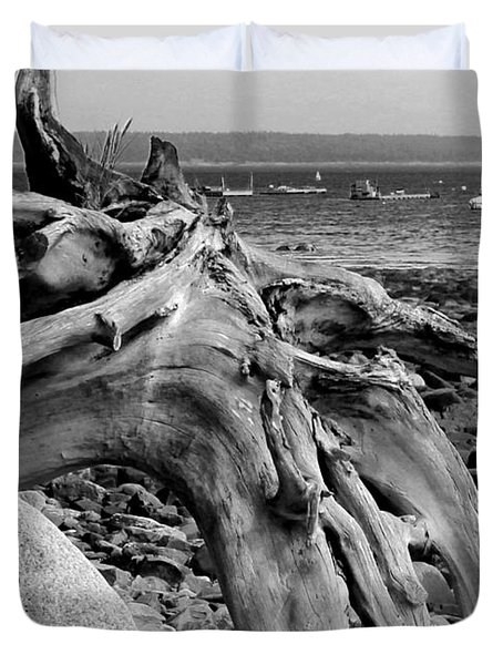 Driftwood On Rocky Beach Duvet Cover