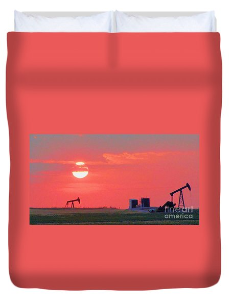 Duvet Cover featuring the photograph Rising Full Moon In Oklahoma by Janette Boyd