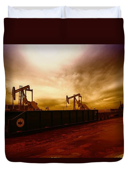 Dropping A Tank Duvet Cover by Jeff Swan