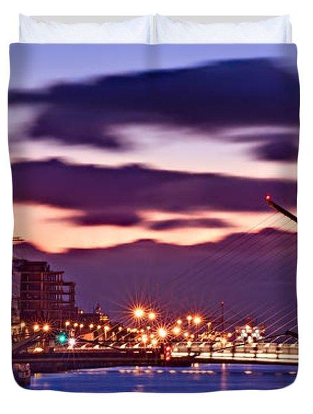 Duvet Cover featuring the photograph Dublin Docklands At Dawn / Dublin by Barry O Carroll