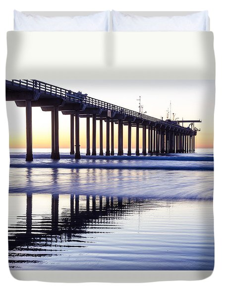 Dusk At Scripps Pier Duvet Cover