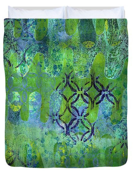 Duvet Cover featuring the mixed media Dynamic 1 by Lisa Noneman
