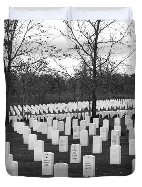 Eagle Point National Cemetery In Black And White Duvet Cover by Mick Anderson