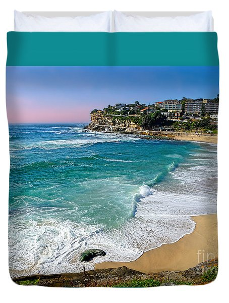 Early Morning Bronte Beach By Kaye Menner Duvet Cover