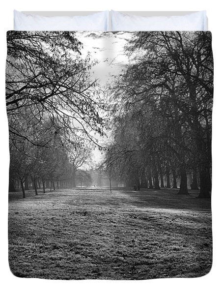 Early Morning In Hyde Park Duvet Cover