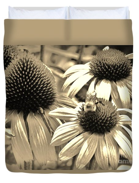 Duvet Cover featuring the photograph ech by Robin Coaker