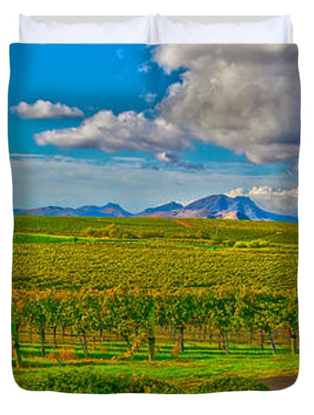 Edna Wineries Ca Duvet Cover