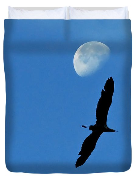 Duvet Cover featuring the photograph Egret Flight by Charlotte Schafer