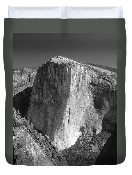 106663-el Capitan From Higher Cathedral Spire, Bw Duvet Cover