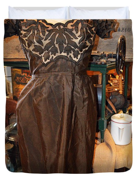 Elegance In Brown Duvet Cover by Cindy Nunn