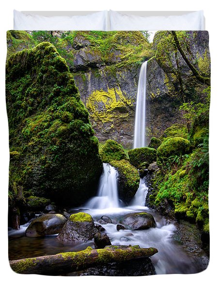 Duvet Cover featuring the photograph Elowah Falls by Dustin  LeFevre