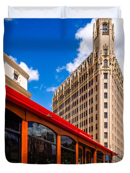 Emily Morgan Hotel And Red Streetcar - San Antonio Texas Duvet Cover