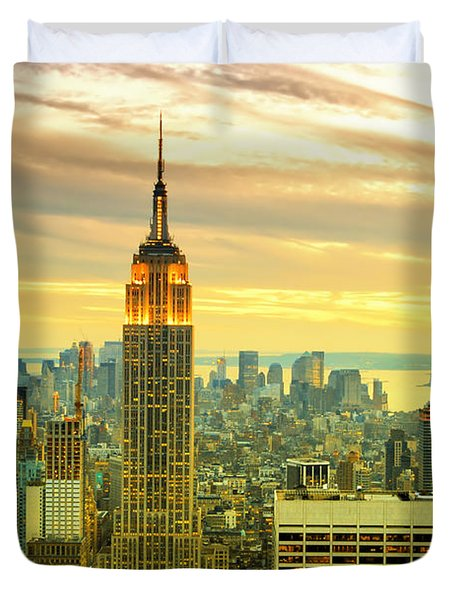 Empire State Building In The Evening Duvet Cover