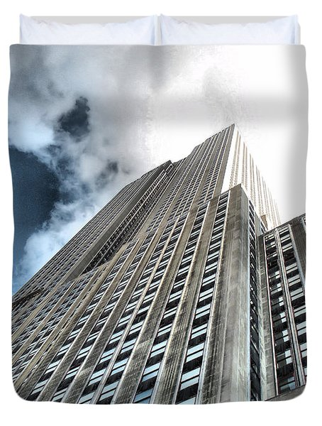 Empire State Building - Vertigo In Reverse Duvet Cover by Luther Fine Art
