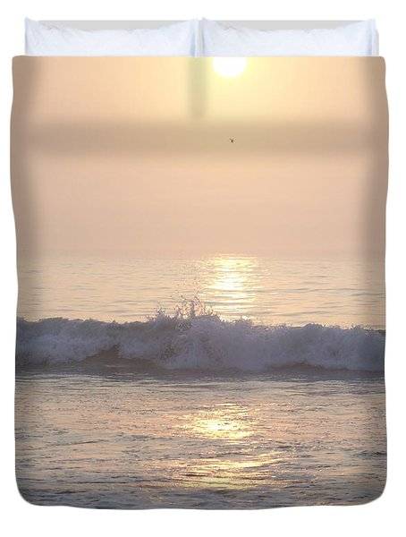 Duvet Cover featuring the photograph Hampton Beach Wave Ends With A Splash by Eunice Miller