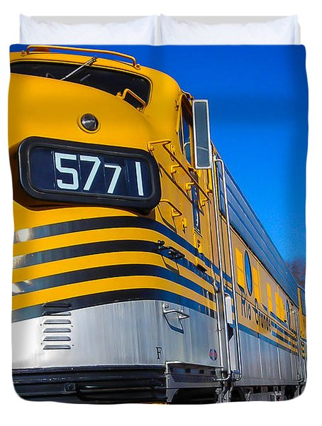 Duvet Cover featuring the photograph Engine 5771 by Shannon Harrington