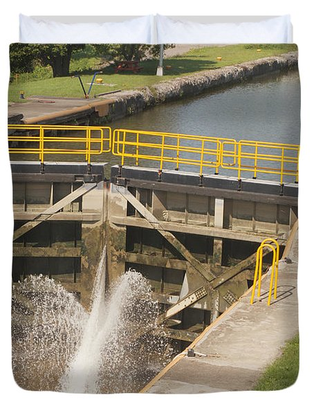 Duvet Cover featuring the photograph Erie Canal Lock by William Norton